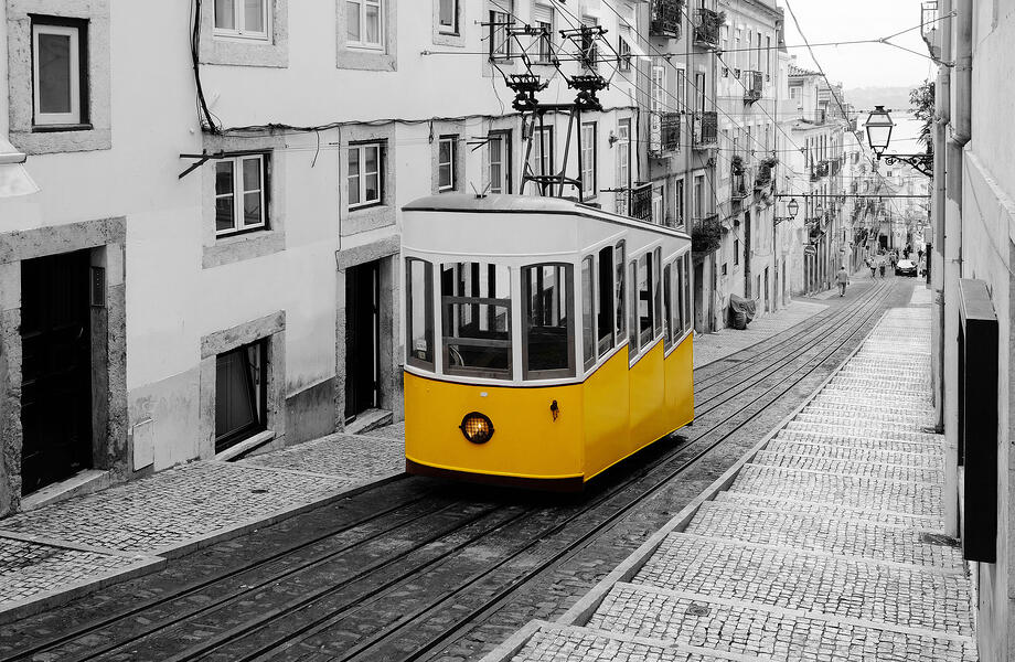CoverImage_tram28