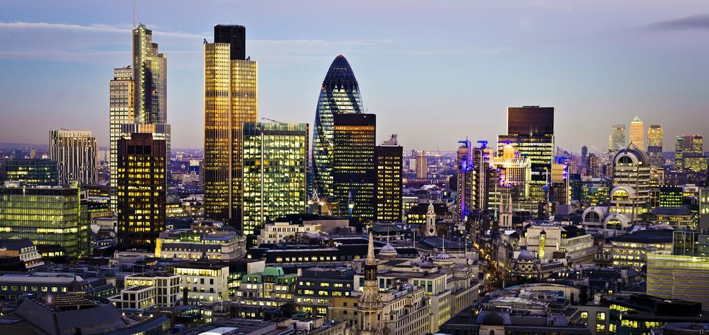london_night_view_shutterstock_86318047.jpg